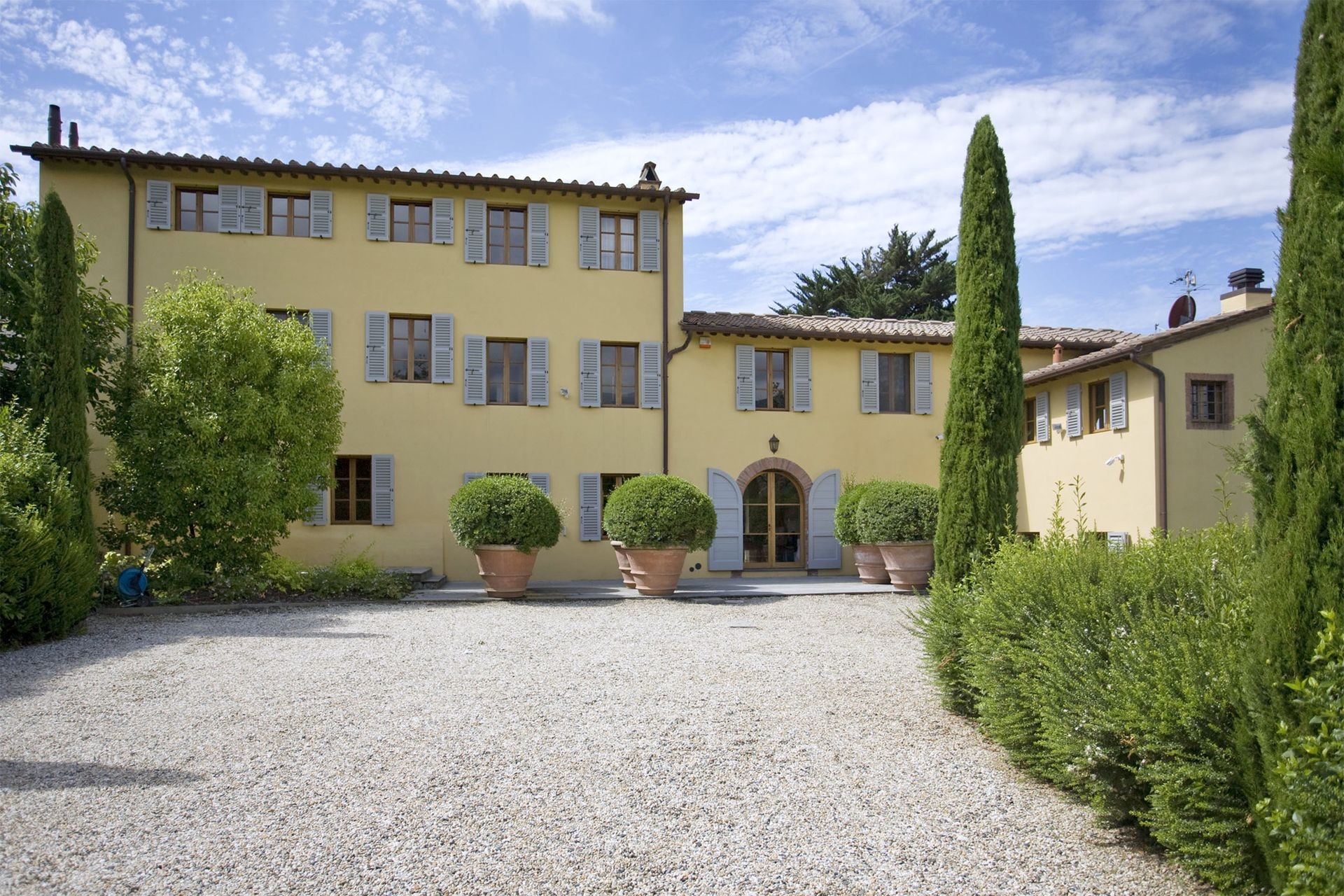 La corte malgiacca villa en toscane lucques salogi for Architecte italien contemporain